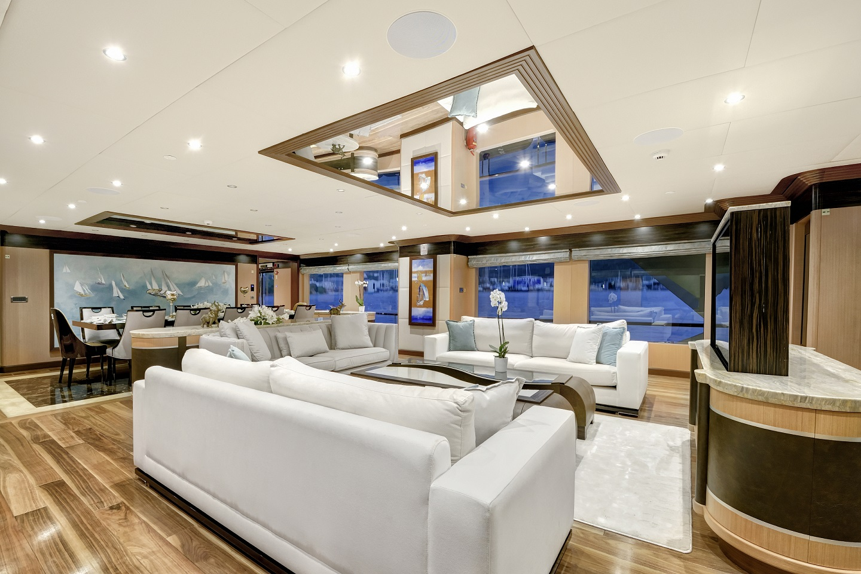 Meira Yacht small.jpg