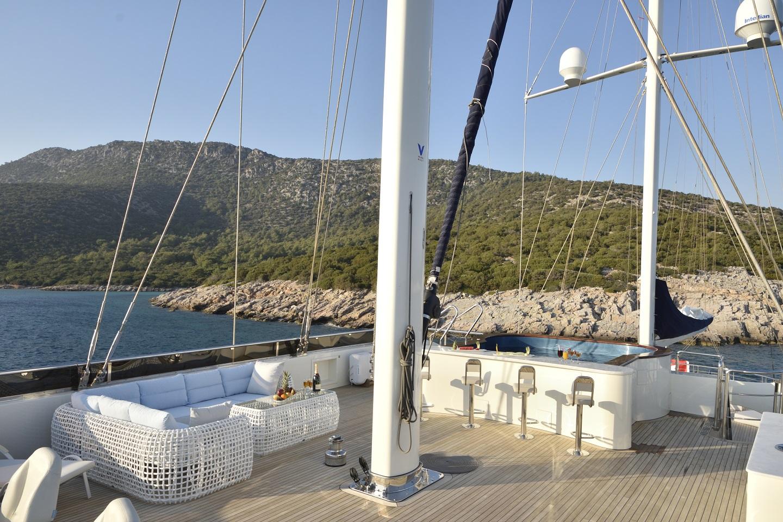 Meira Yacht (49).jpg