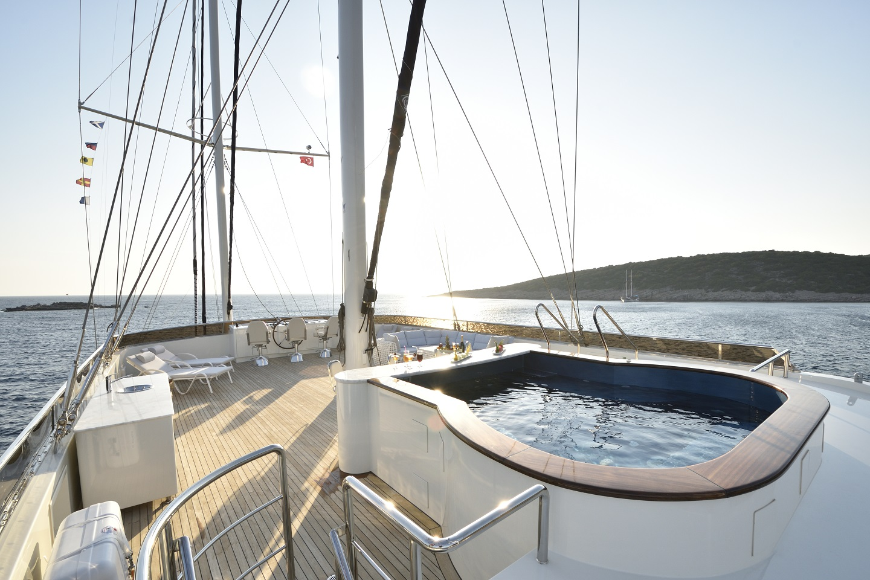 Meira Yacht (50).jpg