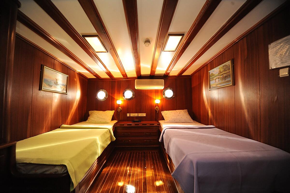 Twin-Cabin8.jpg