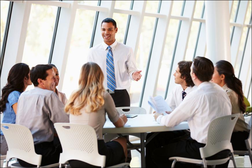 NEGOCIOS - TEE te ofrece dos modalidades de curso para desarrollar tus habilidades empresariales de gestión y administración en inglés.