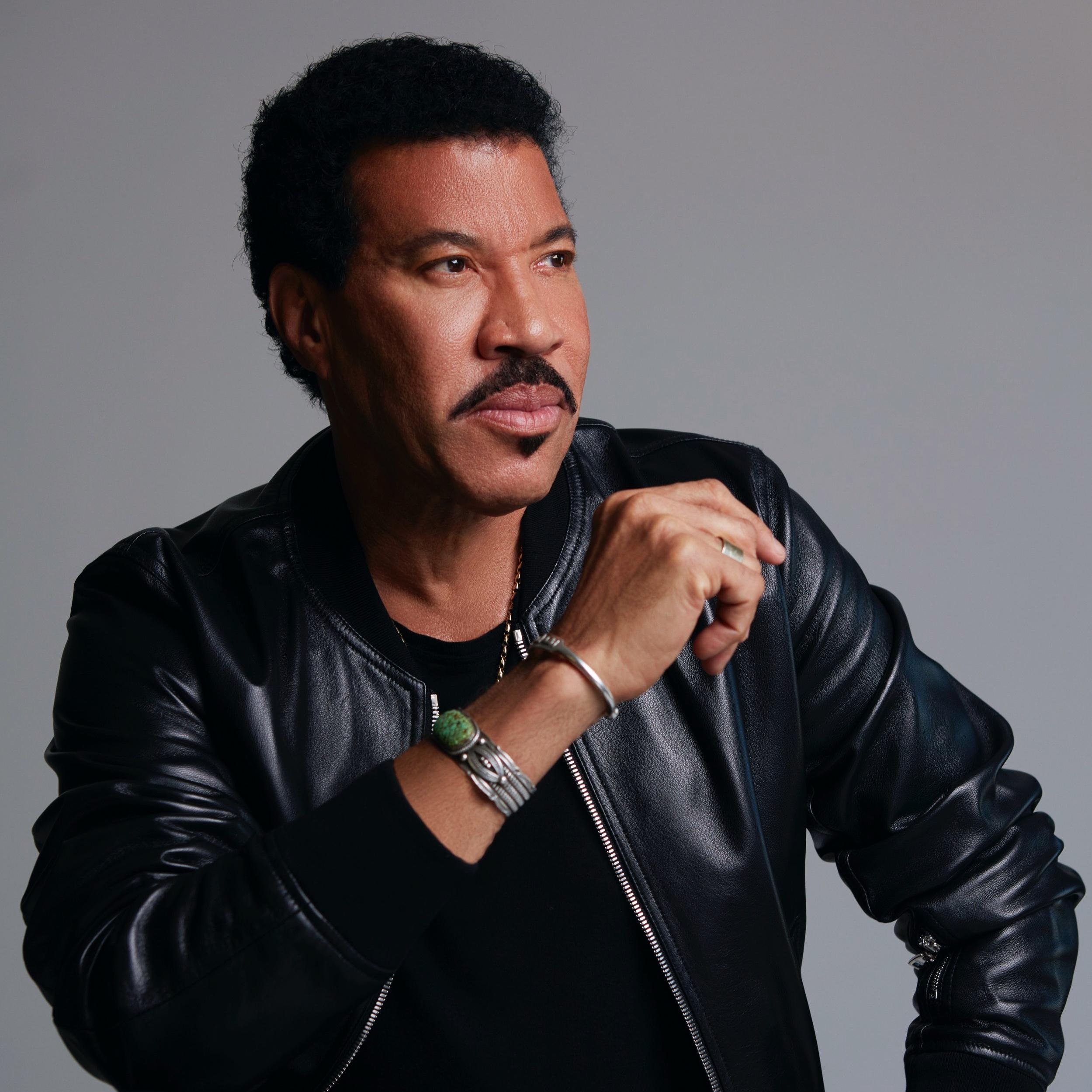 Lionel Richie Press Photo.jpg