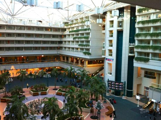 Hyatt Regency Orlando Airport - Walking distance from airport; 30 minutes from downtown