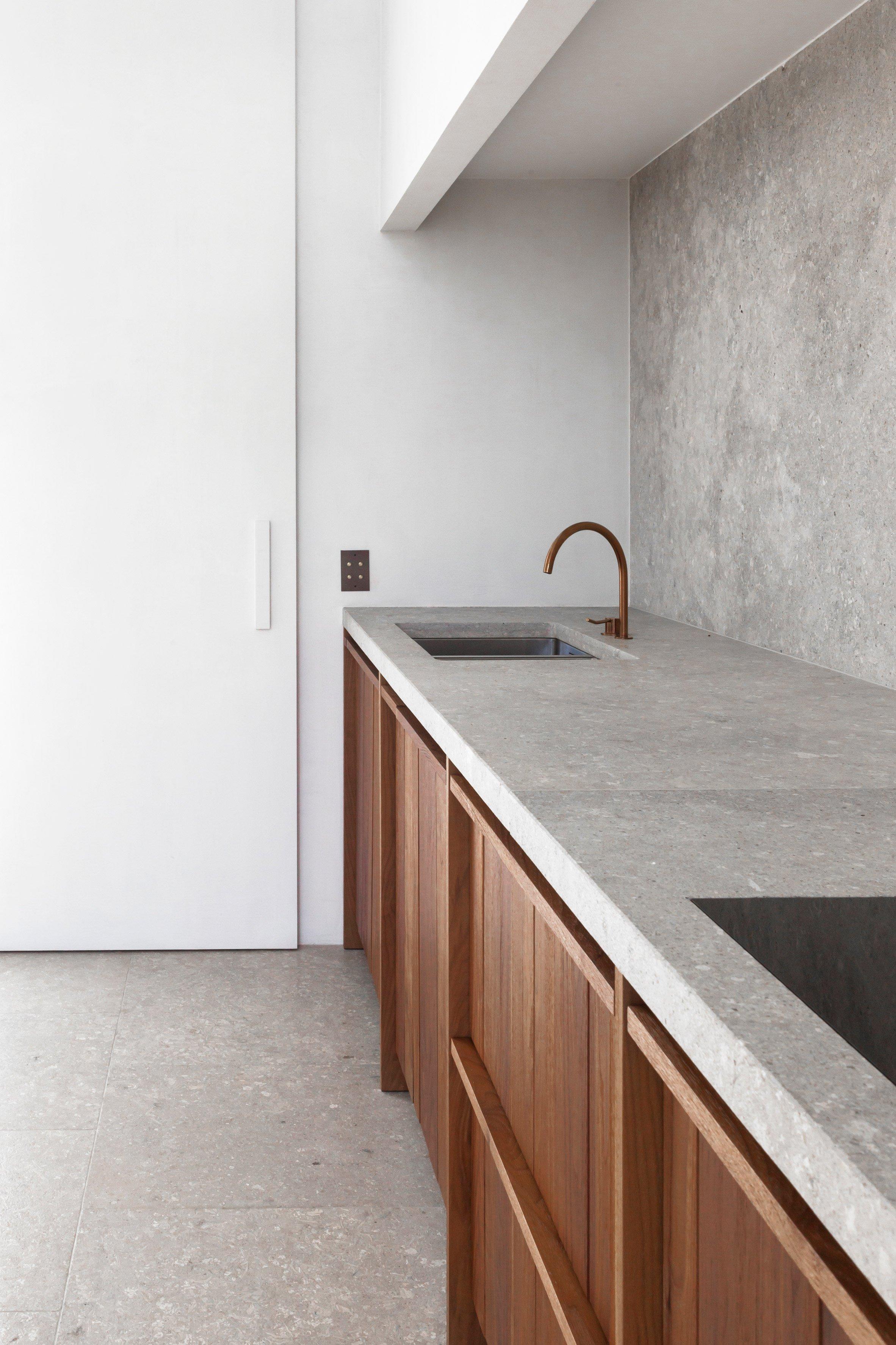 penthouse-westkaai-hans-verstuyft-architecten-interiors-antwerp-belgium_dezeen_2364_col_9.jpg