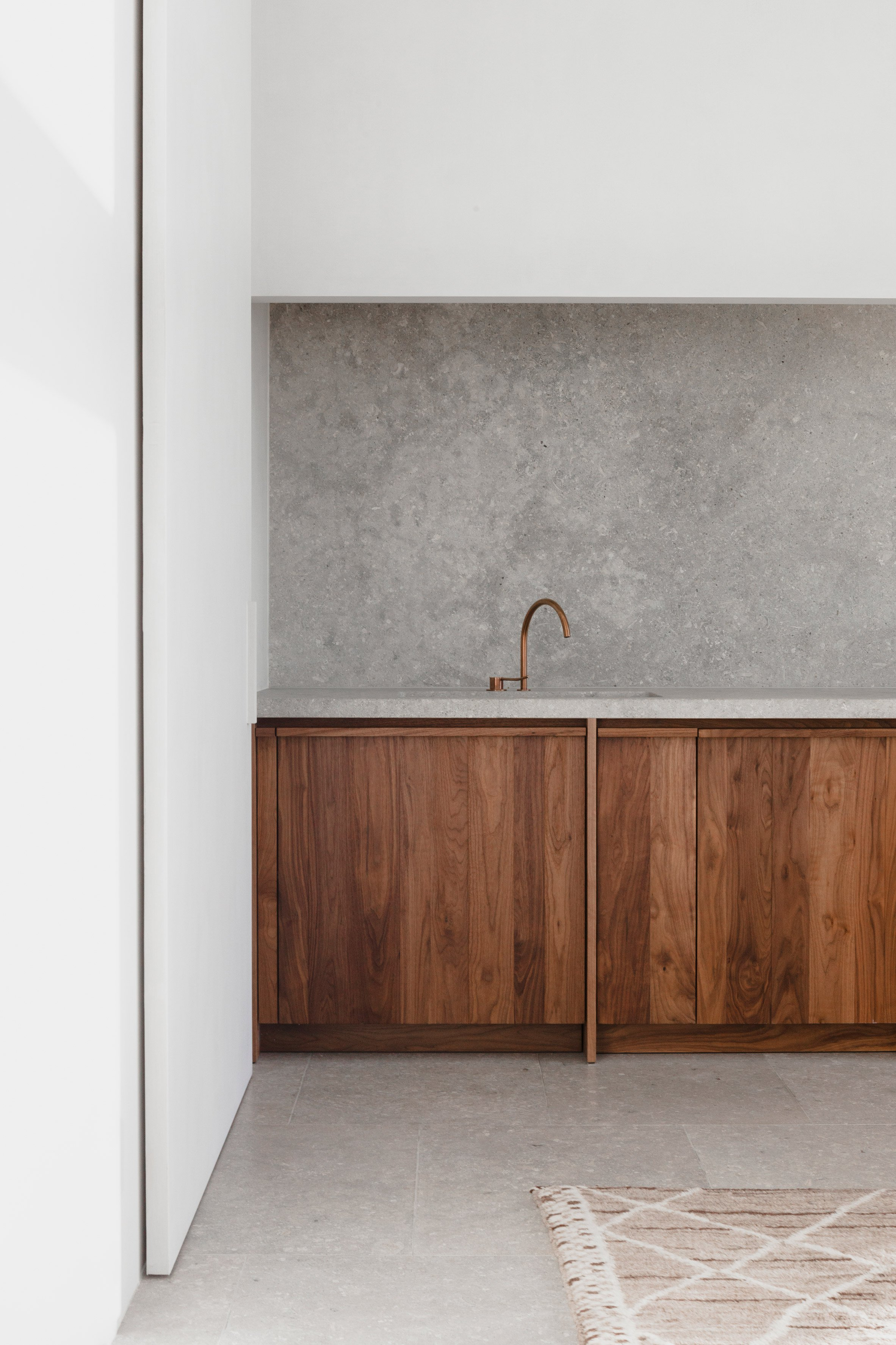 penthouse-westkaai-hans-verstuyft-architecten-interiors-antwerp-belgium_dezeen_2364_col_10.jpg