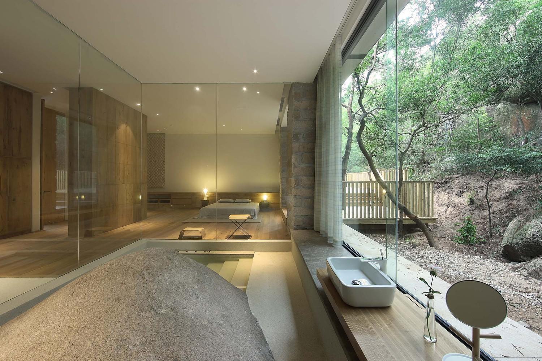 9__master_bedroom_3.jpg