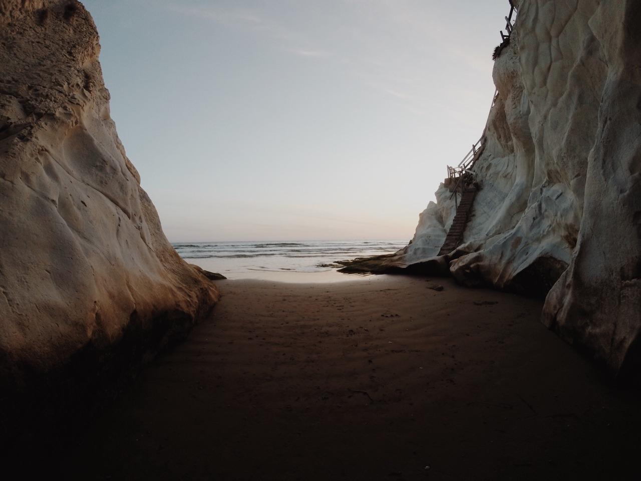 Caves at Pismo Beach, CA @summermalia