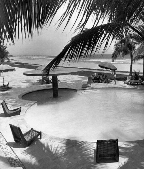 Luis Barragán - Exterior hotel Pierre Marques,Acapulco 1955