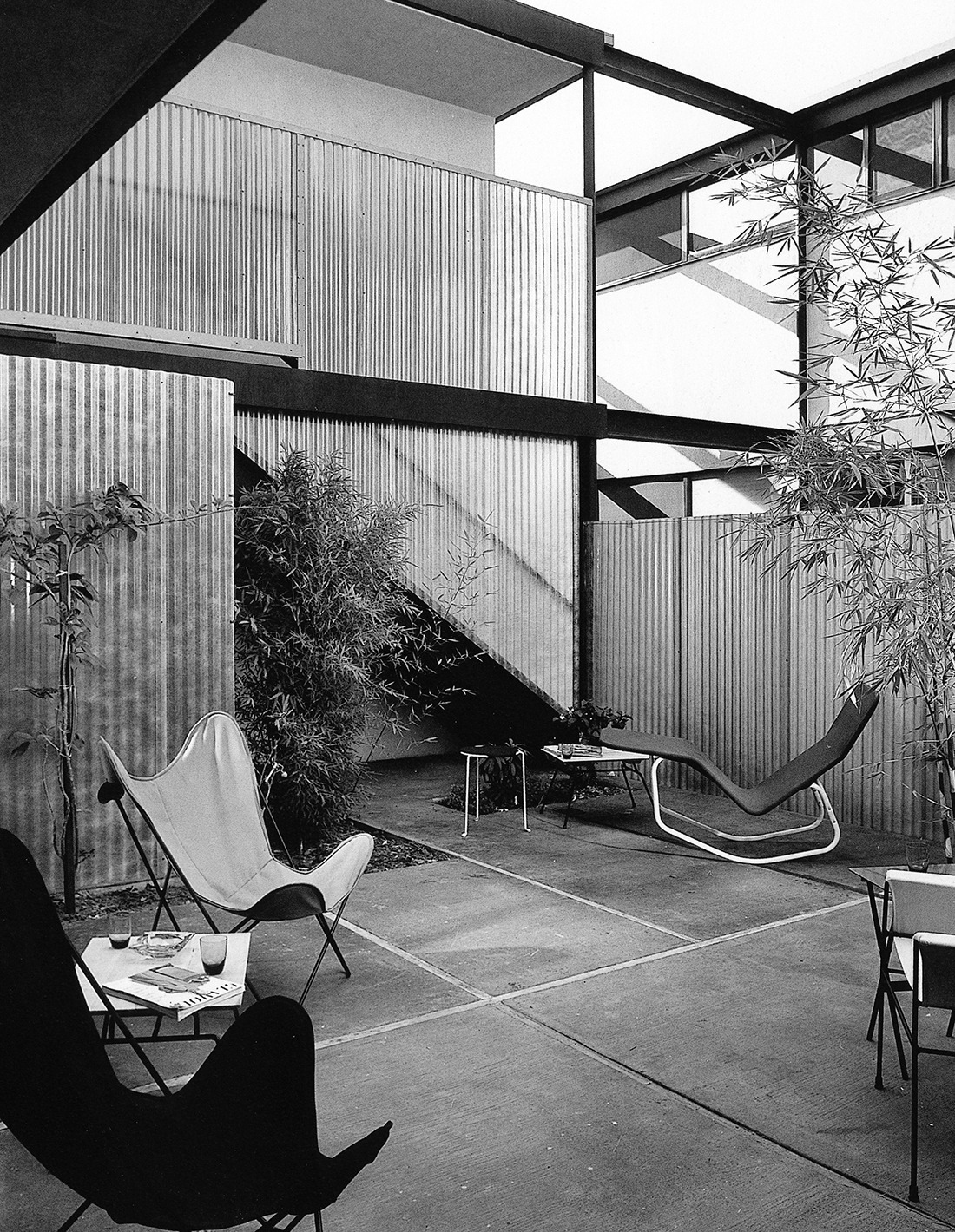 Raphael Soriano - Internal Courtyard, Colby Apartments, Los Angeles, California, 1950