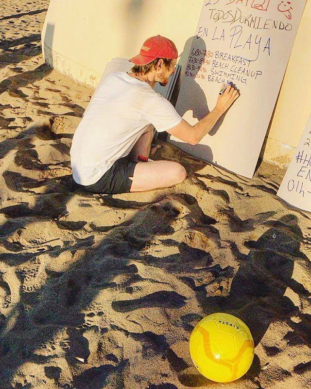Un aspecto importante para garantizar un evento exitoso es la planificación.#TodosDurmiendoEnLaCalle #HomelessEntrepreneur #Volleyball #arena #playa