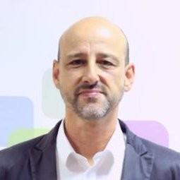 Oscar Fuente  Digital Training Advisor