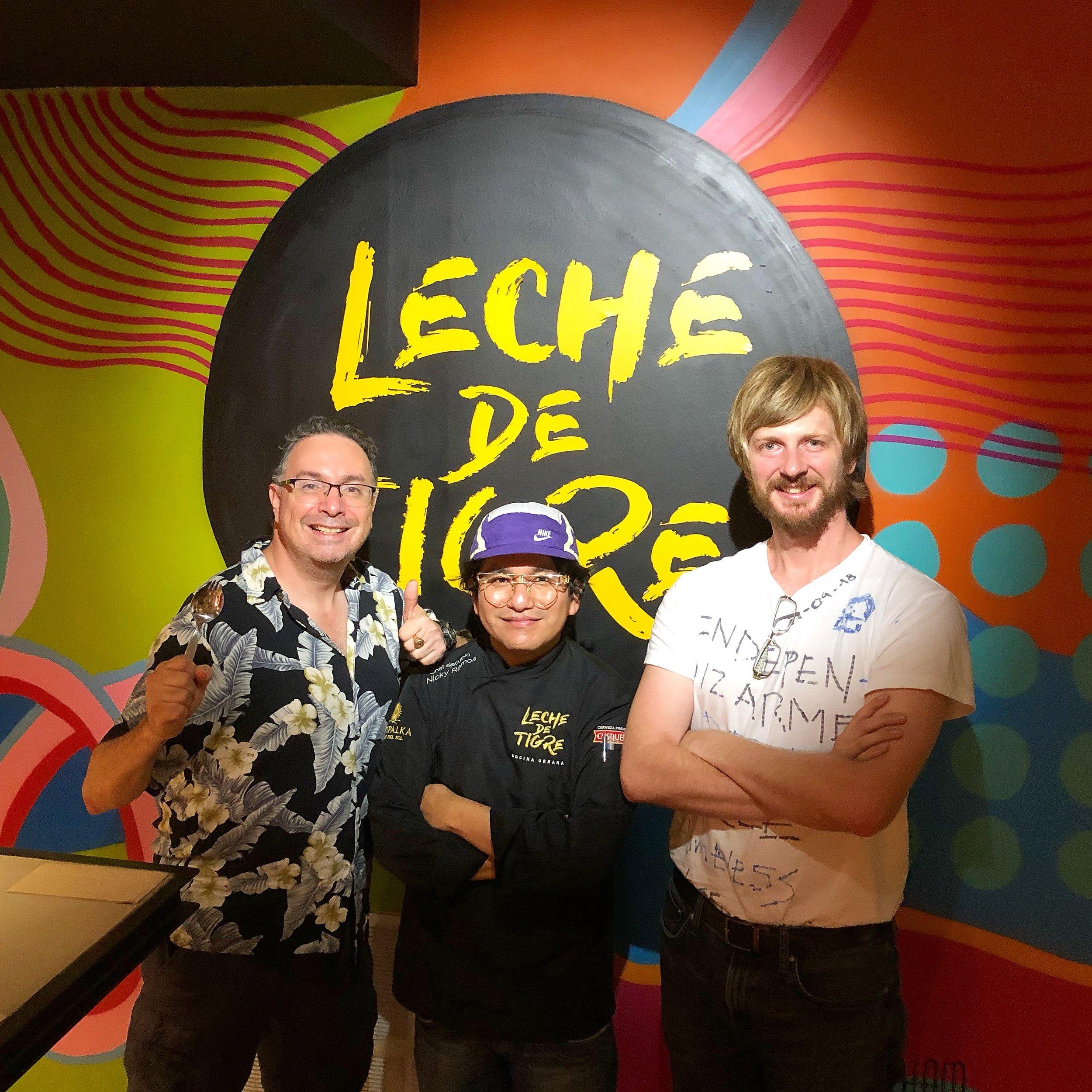 Victor Horcasitas, director de la revista Barcelona Metropolitan, Nicky Ramos, chef de Leche de Tigre, y Andrew Funk, el presidente de #HomelessEntrepreneur.