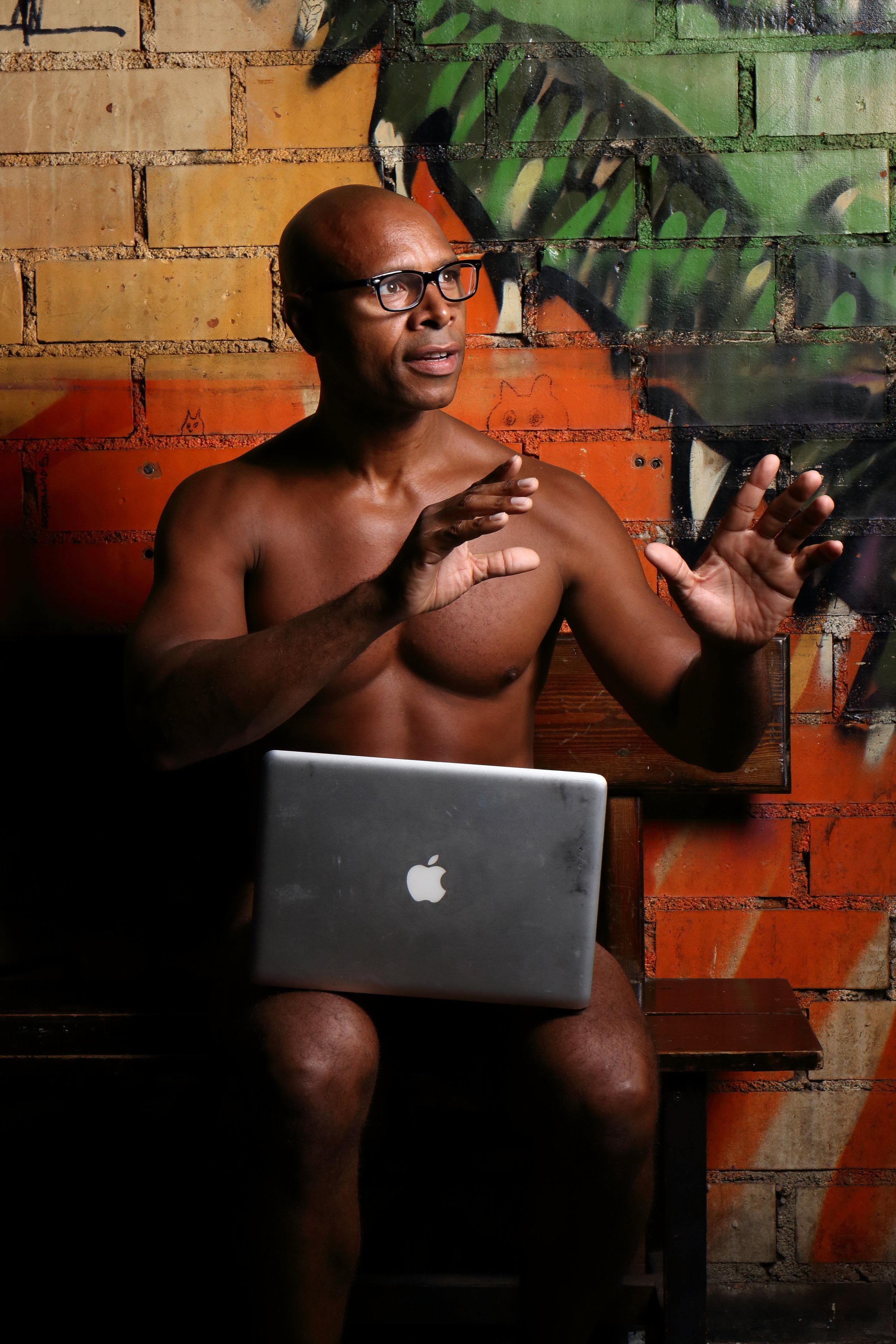 """Vincent, un #HomelessEntrepreneur que participó en la campaña de """"La Verdad Desnuda de la Calle."""""""