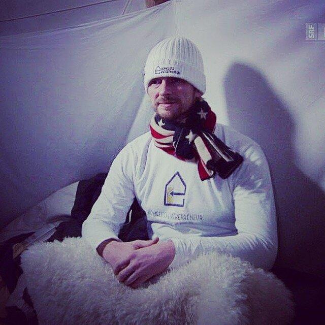Andrew Funk, dentro del tipi de Davos, Swizterland, donde duerme durante el Foro Mundial de Economía para dar voz a personas sin hogar por todo el mundo.