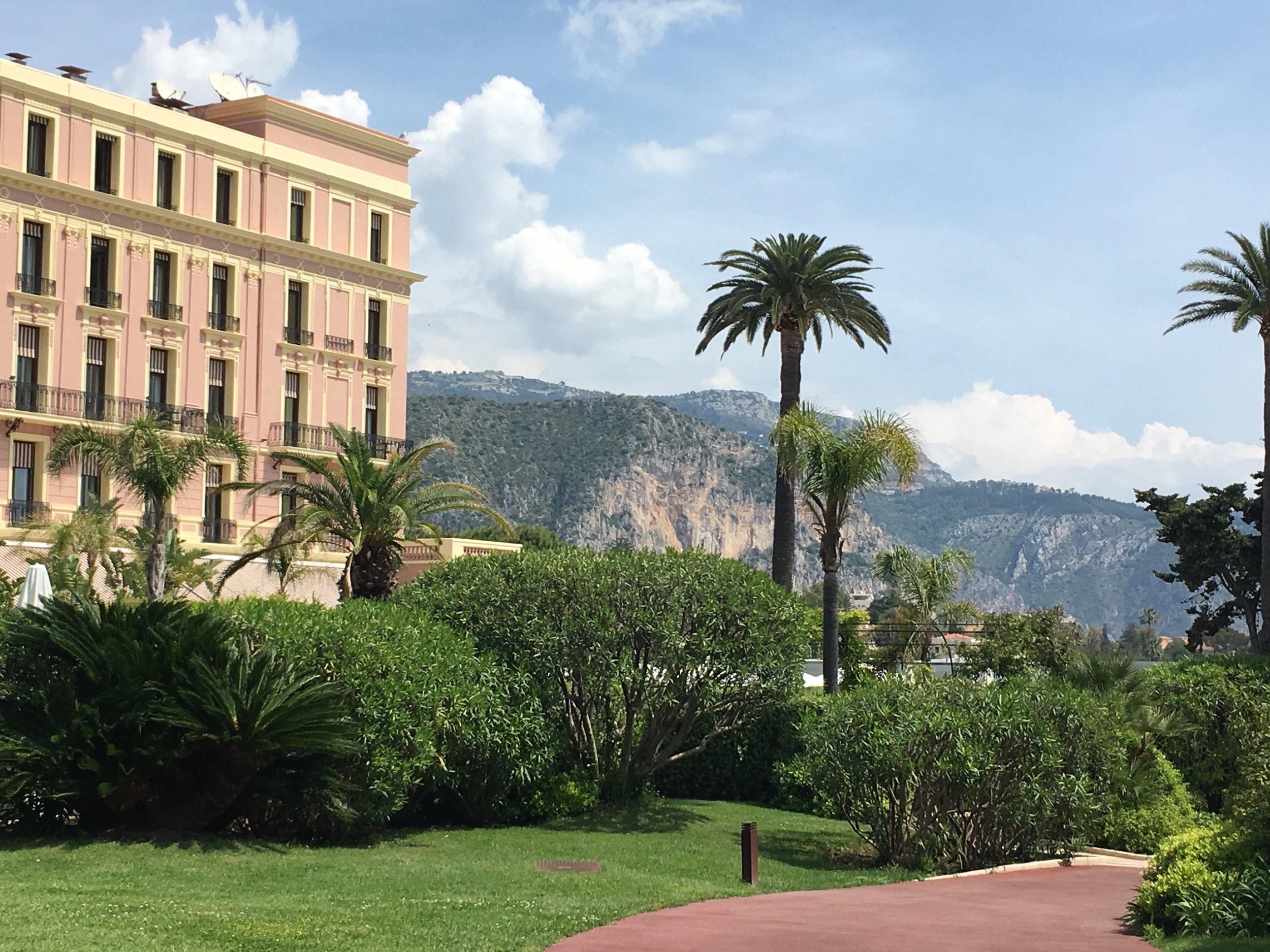 HotelRoyalRiviera.jpg