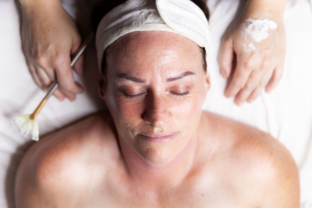 Lunchtime Facial - In a hurry and in need of a quick skin pick-me-up? This facial is for you. In 30 minutes we will have your skin glowing a feeling renewed.30min starting at $30