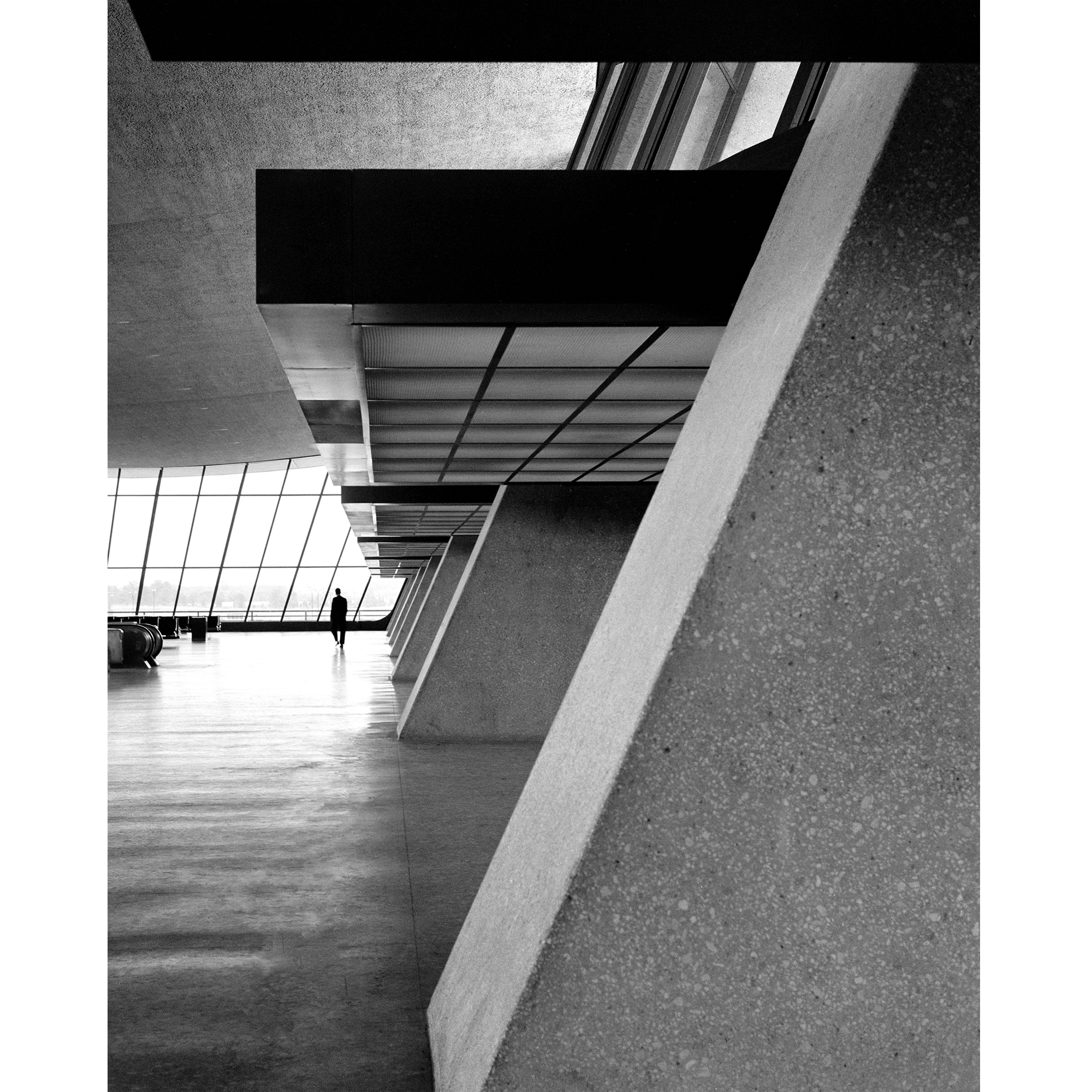 DULLES_CONCOURSE_8x10.png