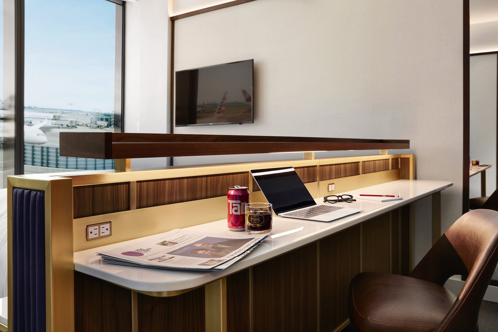 15-TWA-Hotel-Model-Room.jpg