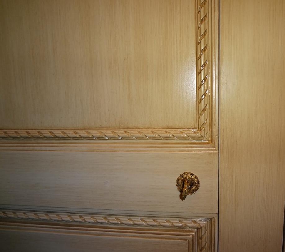 door detail.jpg