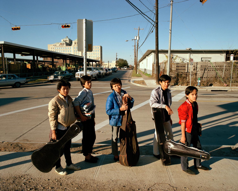 010_028_Kids in Street 002.jpg