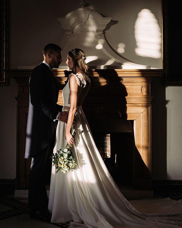 Ha sido el segundo aniversario de @belyllamas y @carlosleocano . Una boda inolvidable. Enhorabuena y felicidades 😊. . . #wedding #weddingphoto #weddingphotographer #weddingdress #weddingplanner #boda #malaga #love #aniversario