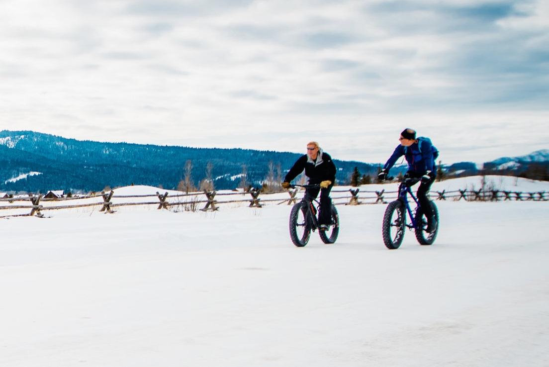 fat-tire-biking-victor-1_25078350074_o.jpg