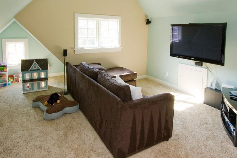 3rd-Fl-TV-room.jpg