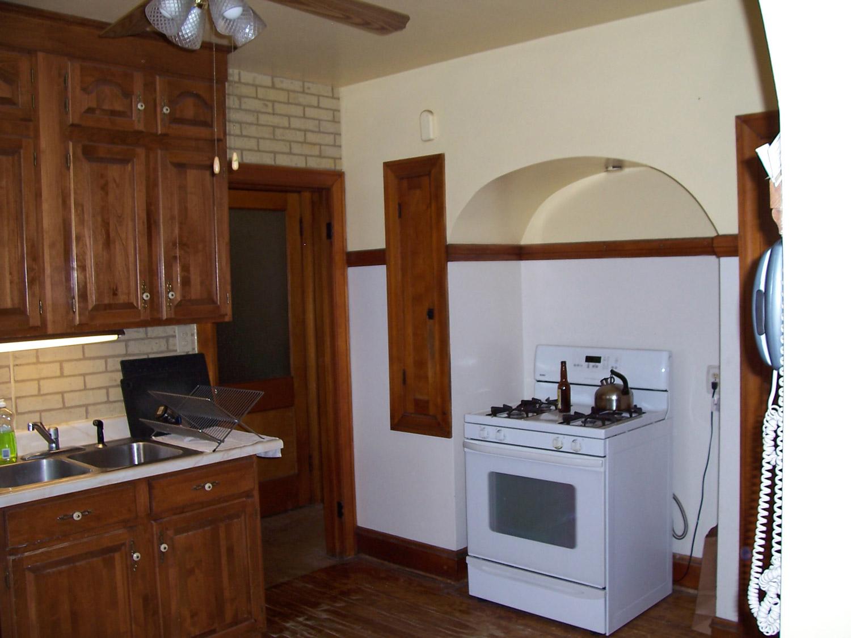 Bungalow-stove-before.jpg