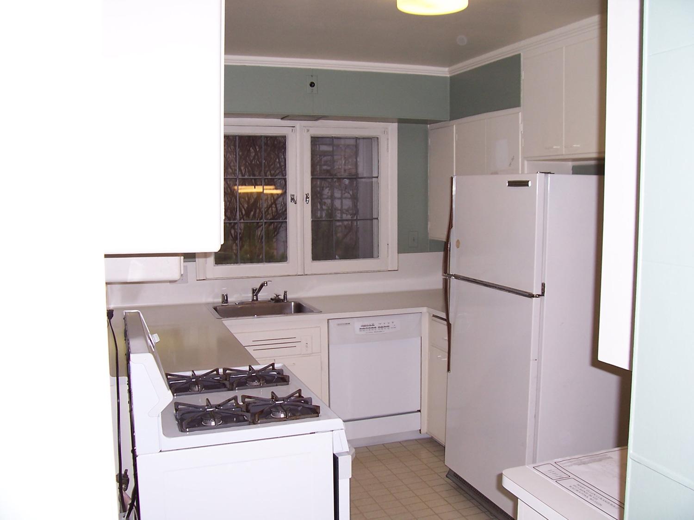 Cape-Cod-kitchen-before.jpg