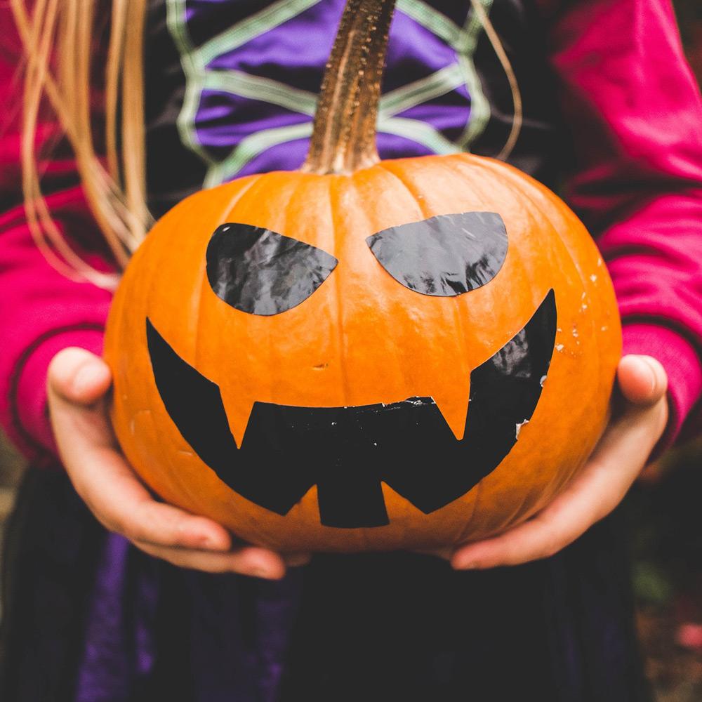 treat-kids--halloween-THMB.jpg