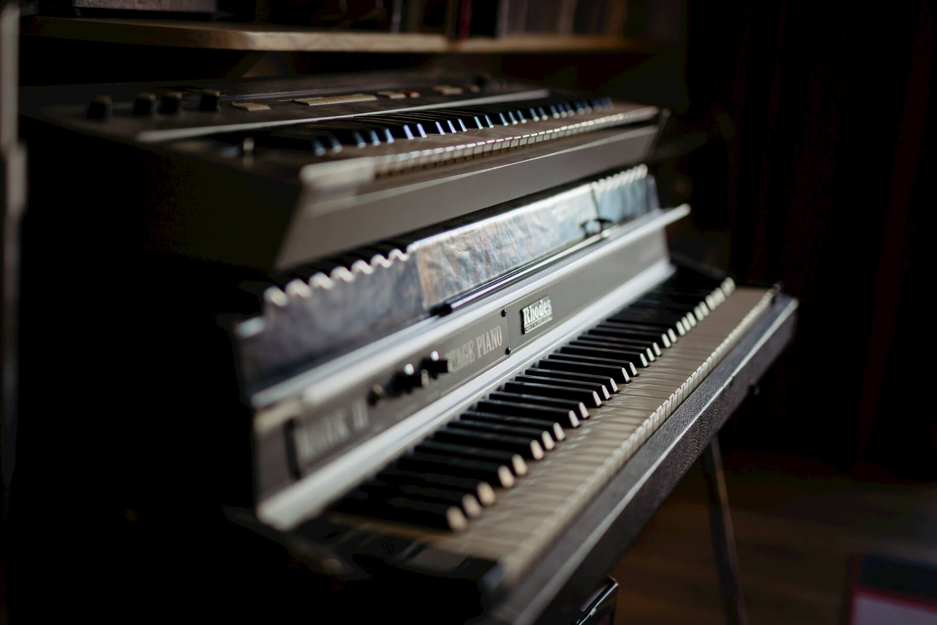 rhodes-keyboards-evolution-studios-oxford-facilities.jpg