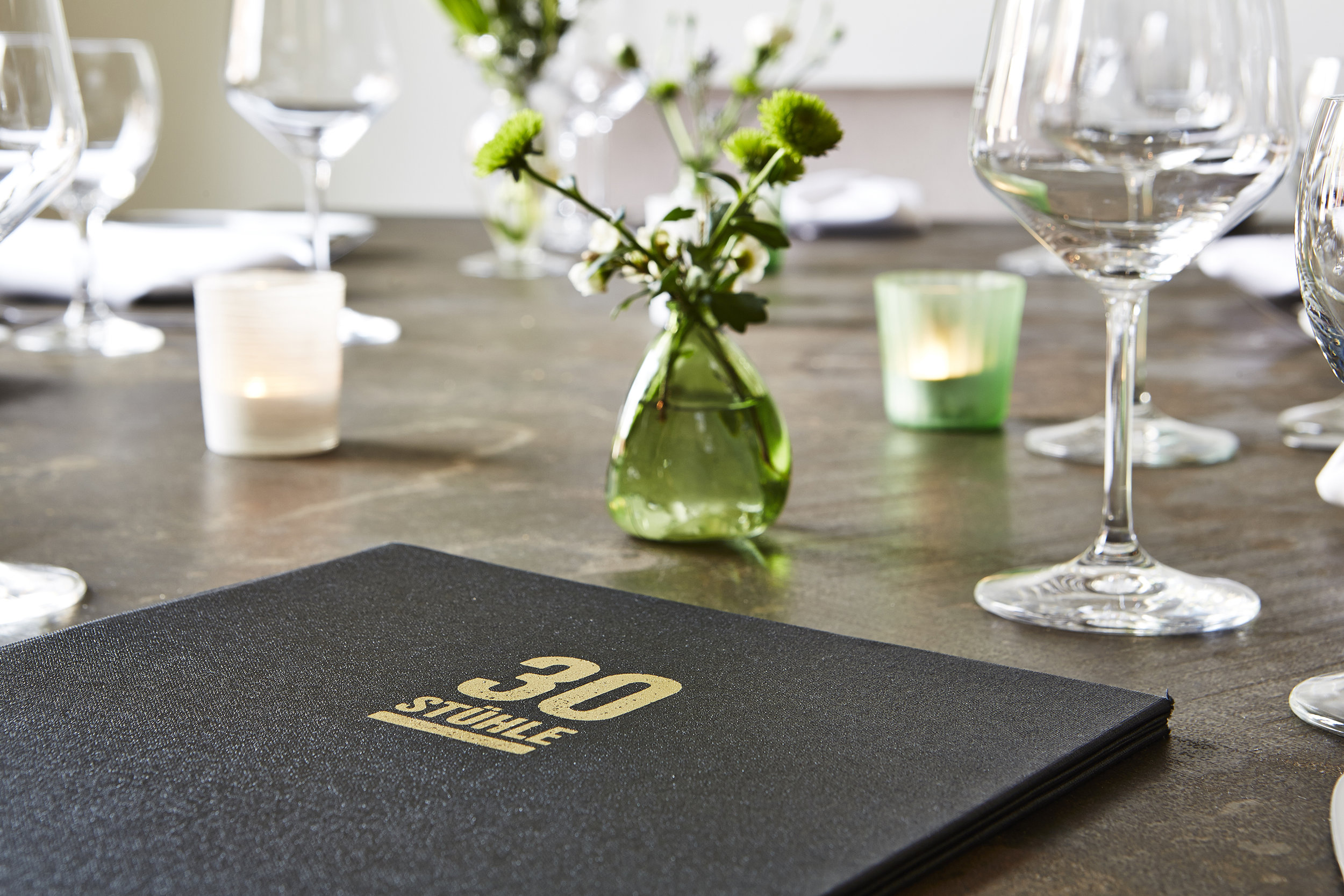 blank-restaurant-30-stuehle-corporate-design-4.jpg
