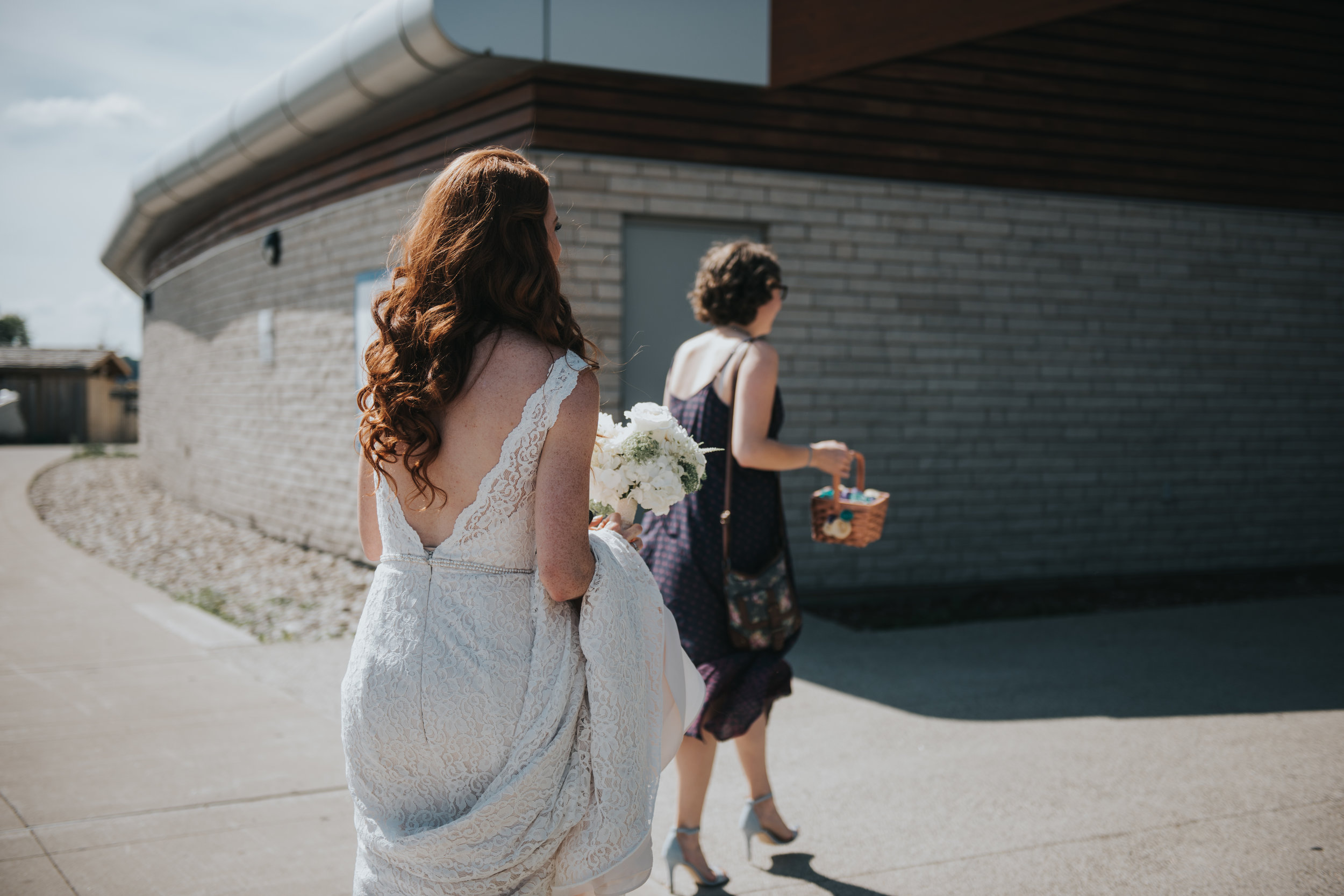 bride-arriving-toronto-outdoor-summer-wedding-documentary-wedding-photography-by-willow-birch-photo.jpg