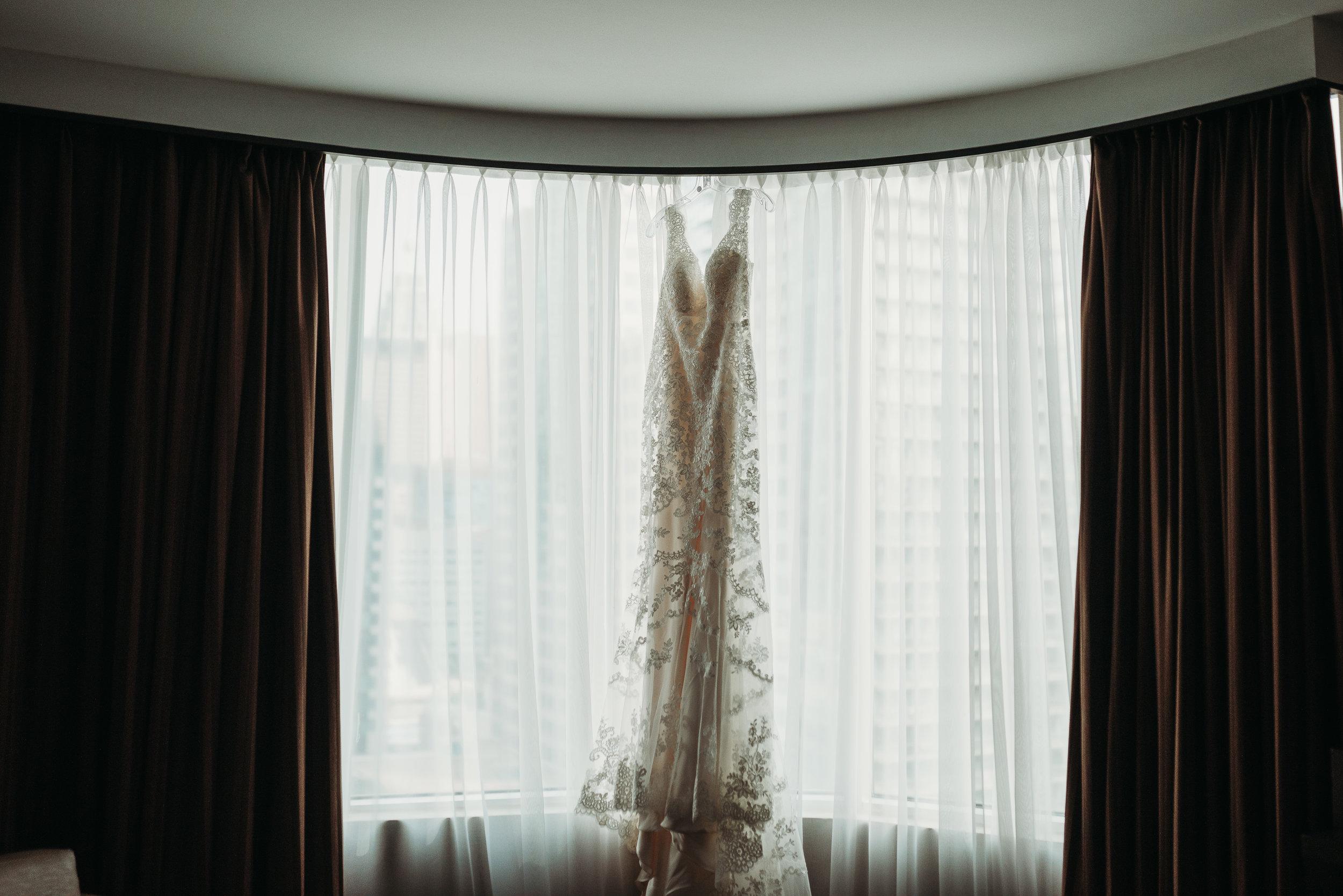 wedding-dress-toronto-rustic-boho-airship37-wedding-by-willow-birch-photo-toronto-documentary-wedding-photographers.jpg