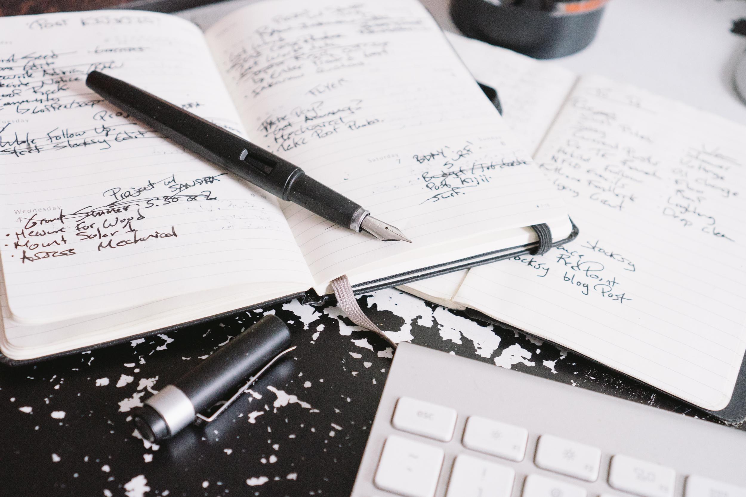 Refillable_Pen_Moleskine_Desk