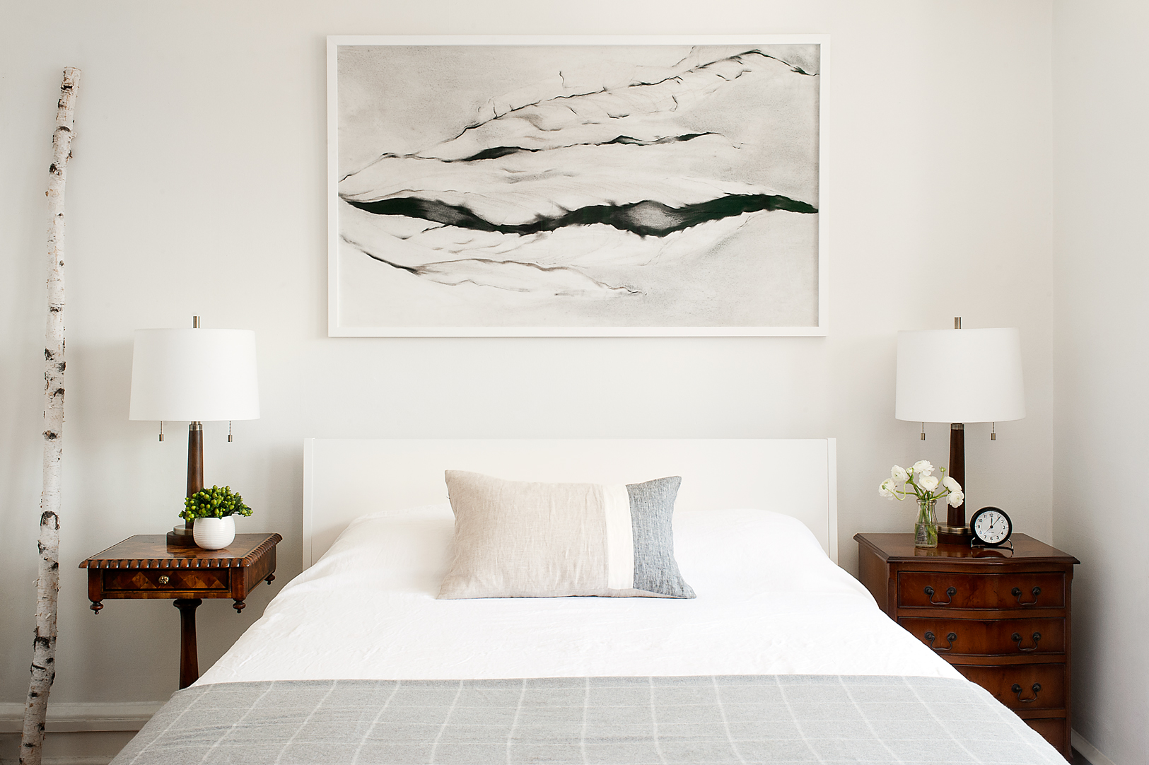mcdaniel.apartment_bedroom_01.jpg