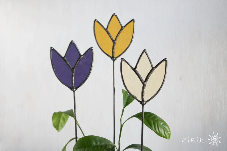 stained glass tulip.jpg