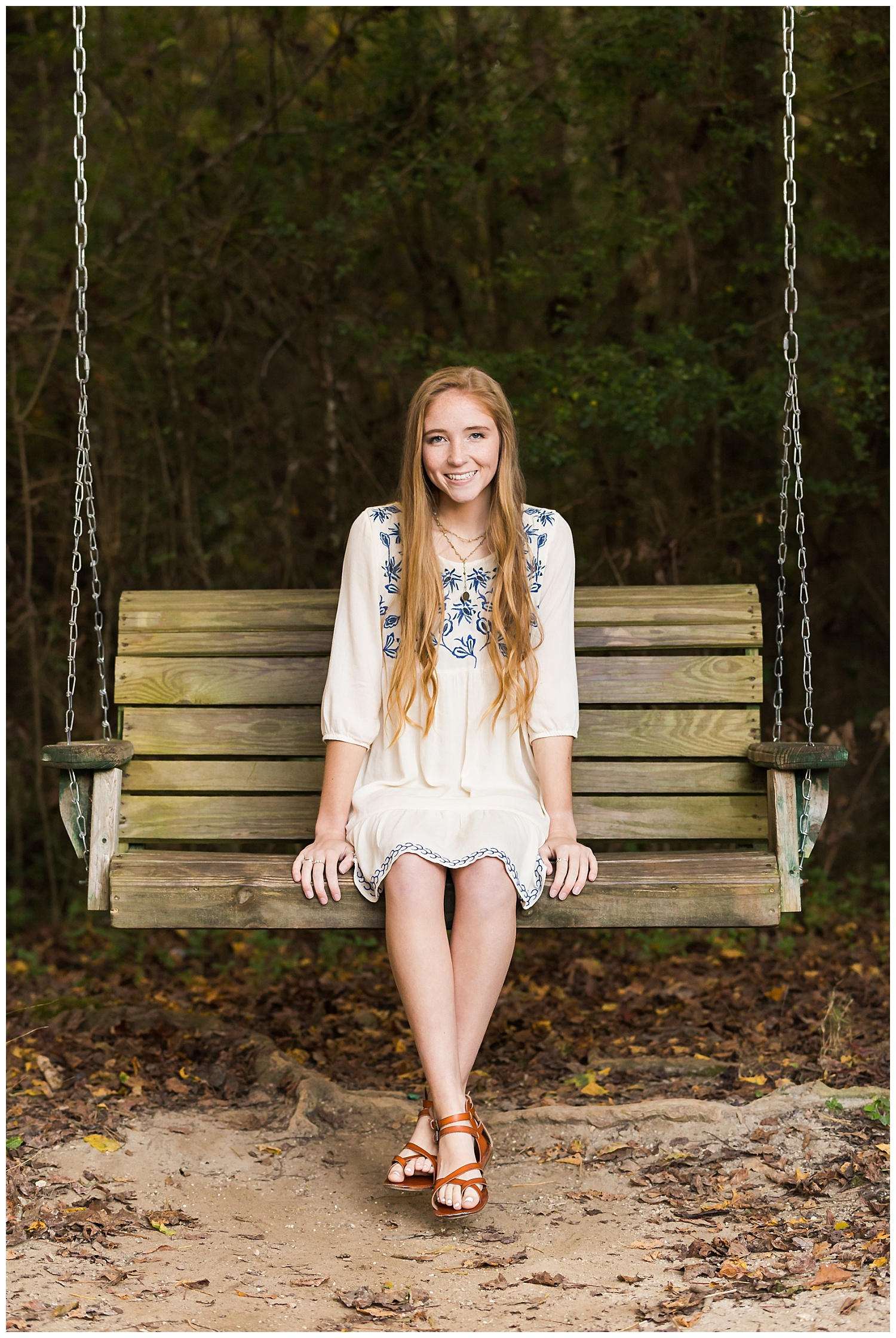 porch swing senior portraits auburn alabama lbeesleyphoto
