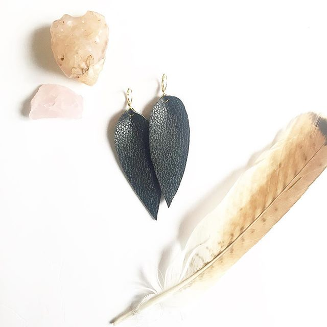 Handmade vegan leather leaf earrings. Shop wide free shipping and 20%, get them while they last. Link in bio 🍃✨🔮 #etsy #etsyshop #etsyseller #etsysellersofinstagram #etsyjewelry #handmade #veganleather #leatherearrings #leafearrings #etsysale #jewelry #fauxleatherearrings #18kgold #handmadejewelry #featherearrings #jewelryaddict #jewelrydesigner #jewelrymaking #earringsoftheday