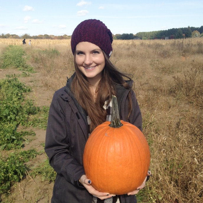 Isn't fall just the greatest?? Apple orchards, pumpkin patches, hay rides, oh my!