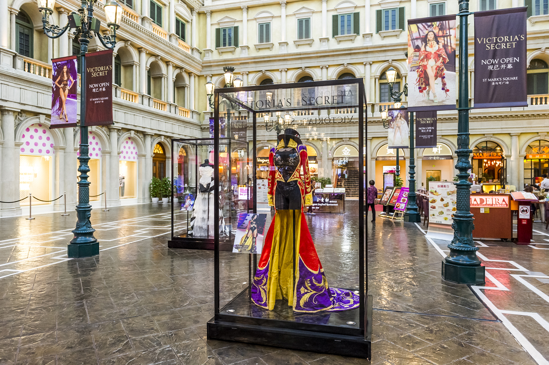 Lusher Photography _ Bespoke _ Victoria's Secret Flagship Store Opening 14.jpg
