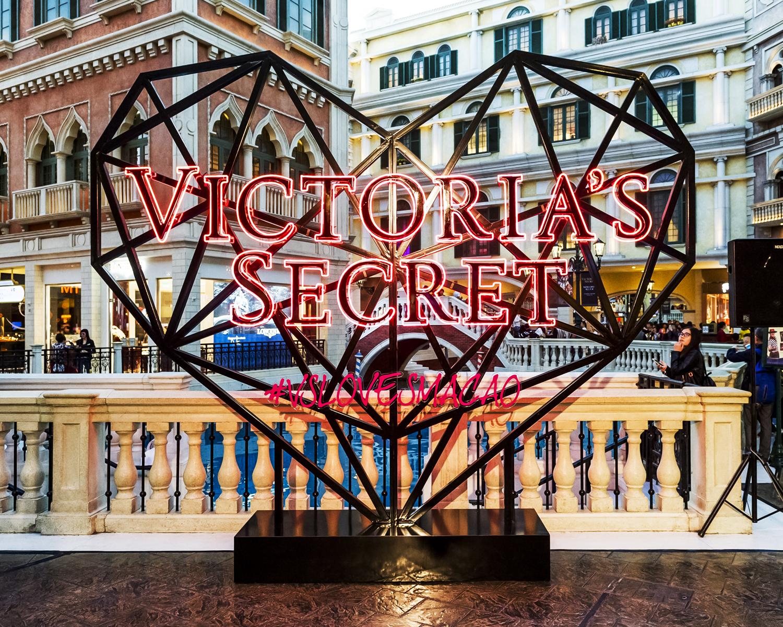 Lusher Photography _ Bespoke _ Victoria's Secret Flagship Store Opening 1.jpg