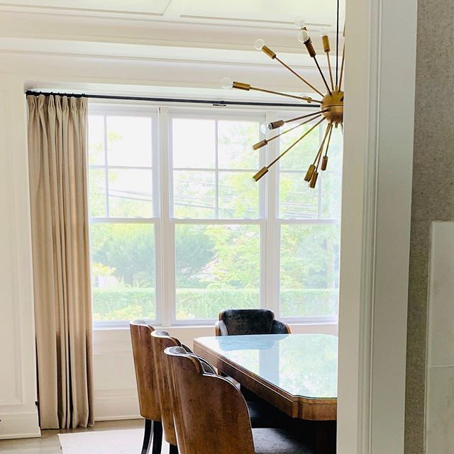 When you finally convince your client to install window treatments. Good things happening in this gorgeous dining room today. @windinglanedesign