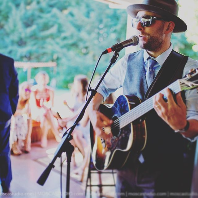 Summertime vibes! Great capture by @moscastudio up at @gorgecrest this past weekend! Have you booked your quality live music and DJ service yet?! Get in touch!  #hoodriver #gorgewedding #pnwwedding #destinationwedding #hoodriverwedding #gorgecrest #gorgecrestvineyards #moscastudio #cocktailhour