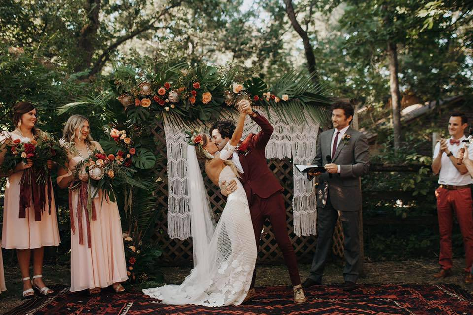 Chicago Vintage Weddings - Learn More