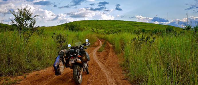 Muddy trails in DRC, © BUGS ON MY BOARD