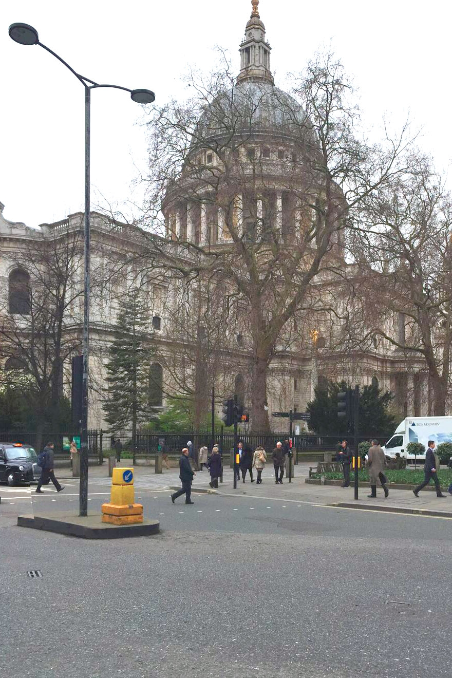 170524 View looking from Cheapside to St. Pauls and Service Yard_preview.jpg