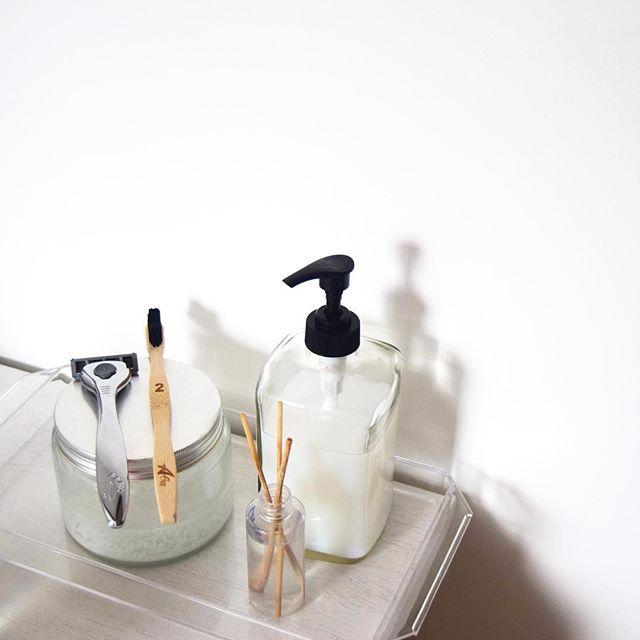 This month, I'm challenging myself to embrace more sustainable options in my home starting with the bathroom. Whether it's toothpaste or period products, I'll soon be making the switch from plastic to zero waste. Link is in my bio for the full article ✨ | #sustainablelifestyle . . . . . #sustainablebathroom #sustainableliving #sustainableblogger #sustainablelife #sustainablefuture #minimal_photo #minimal_photography #minimaliststyle #minimalisthome #minimalistlifestyle #sustainablehome #minimalistliving #minimal_mood