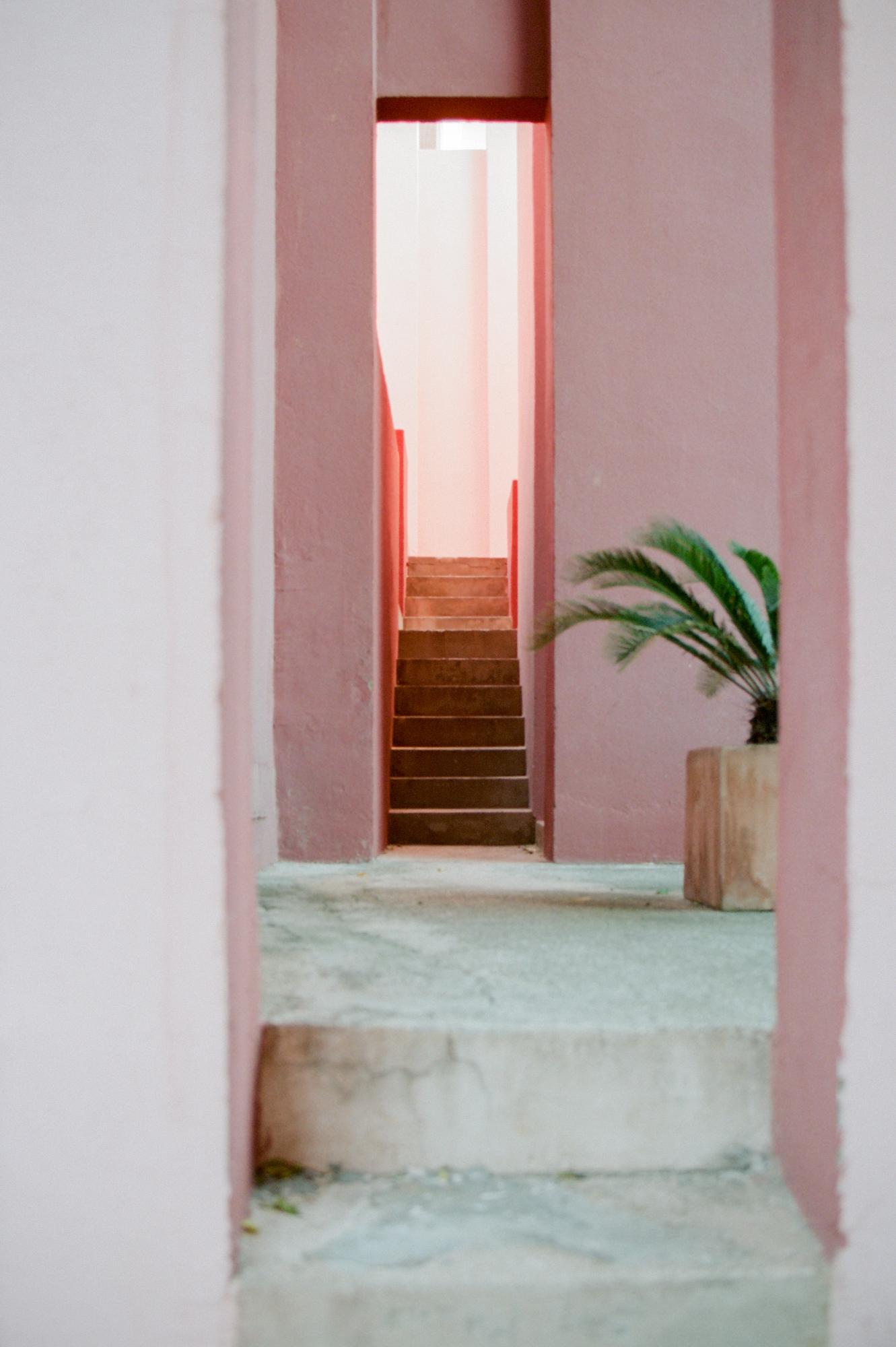 Escalier, Muralla Roja