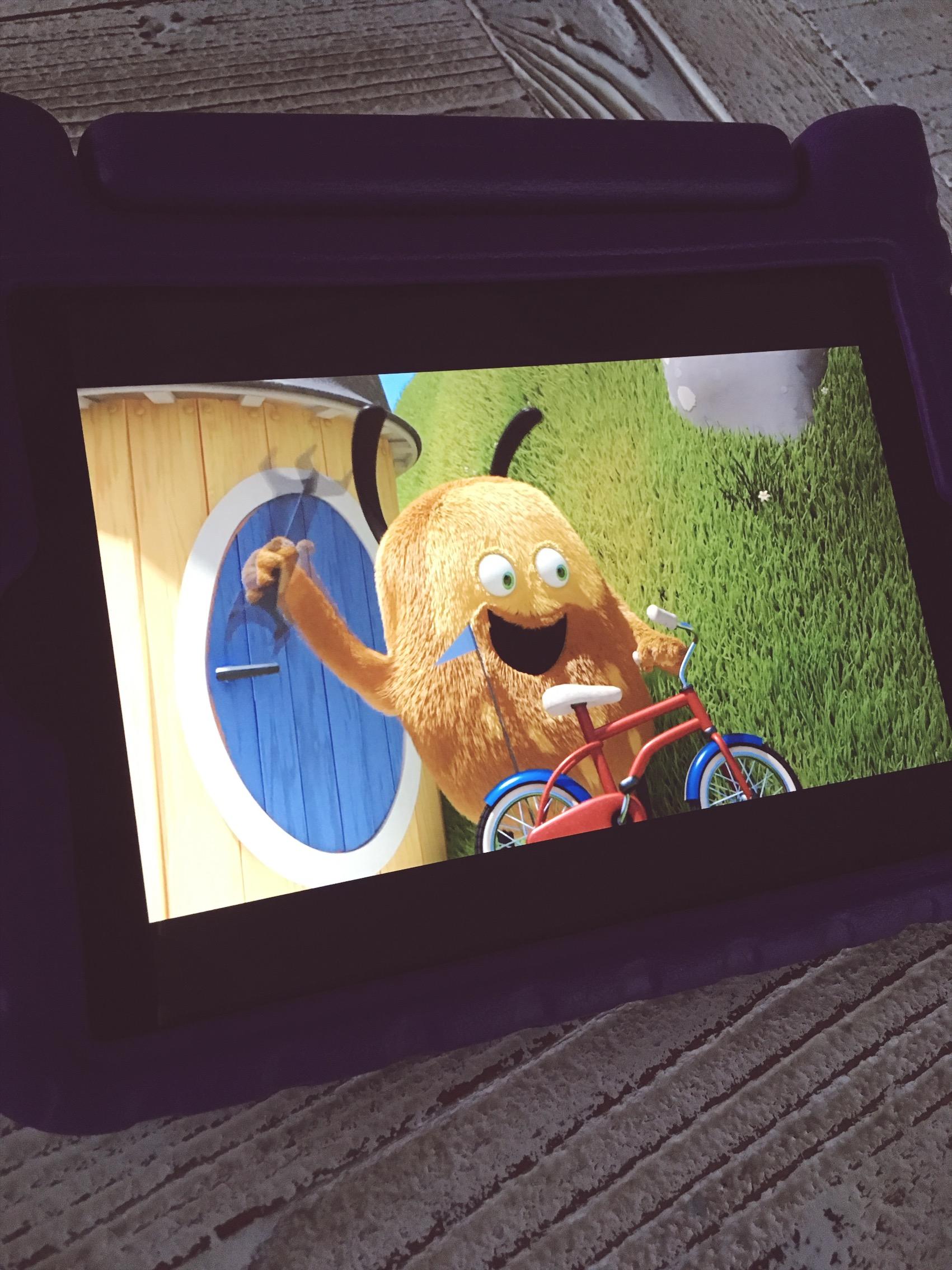 """Kiwi mit seinem neuen Fahrrad (""""Der Fahrrad-Dieb"""")"""